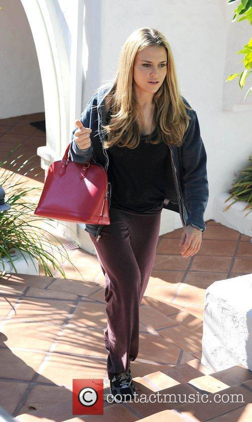 Brooke Mueller arriving at Nicky Hilton's house filming...