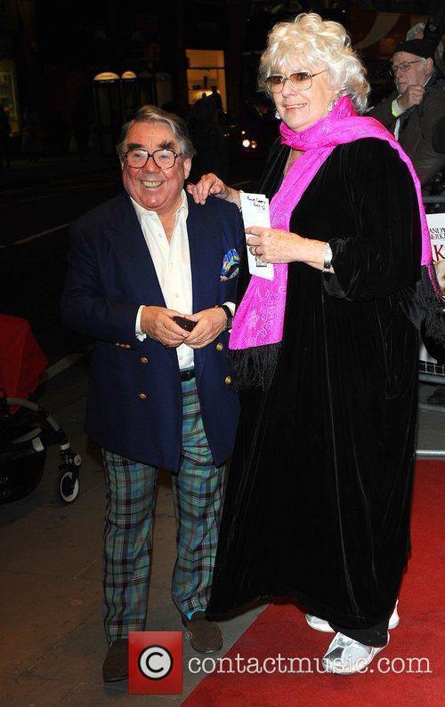Ronnie Corbett and Anne Hart  World premiere...