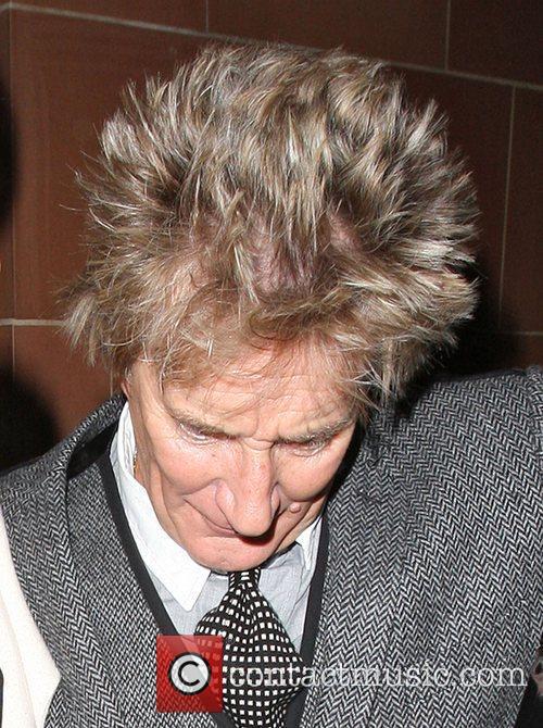Ageing rocker Rod Stewart's impending fatherhood seems to...
