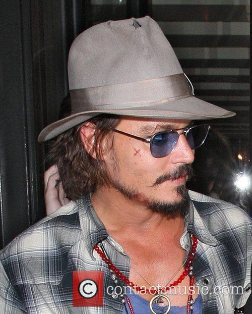 Johnny Depp, Leaves