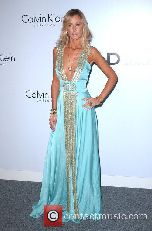 Lady Victoria Hervey Calvin Klein Collection & Los...