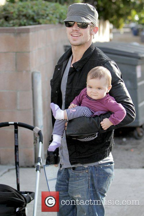 Cam Gigandet and Everleigh Rae Gigandet 8