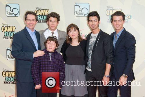 President Of Entertainment, Joe Jonas, Kevin Jonas and Nick Jonas 2