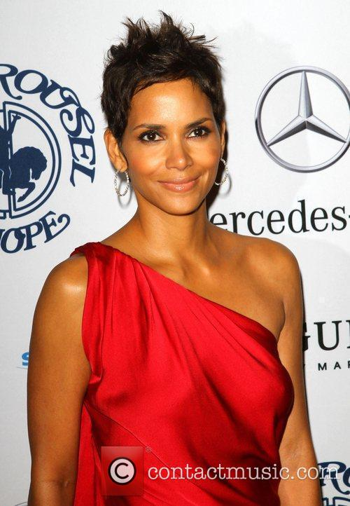 Halle Berry, Beverly Hilton Hotel