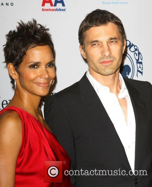 Halle Berry and Olivier Martinez 7