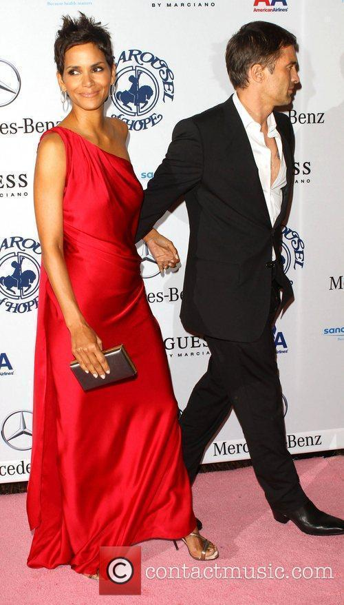 Halle Berry and Olivier Martinez 3