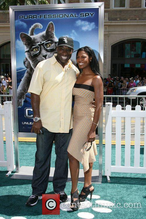Michael Clarke Duncan and Omarosa Manigault-stallworth 2