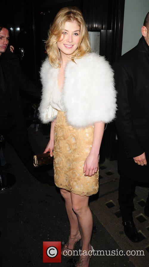 Attends a party at Cecconi's restaurant