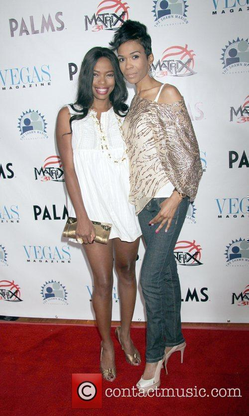 Jill Marie Jones and Michelle Williams 4