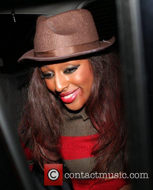 Alexandra Burke and Leaves 9