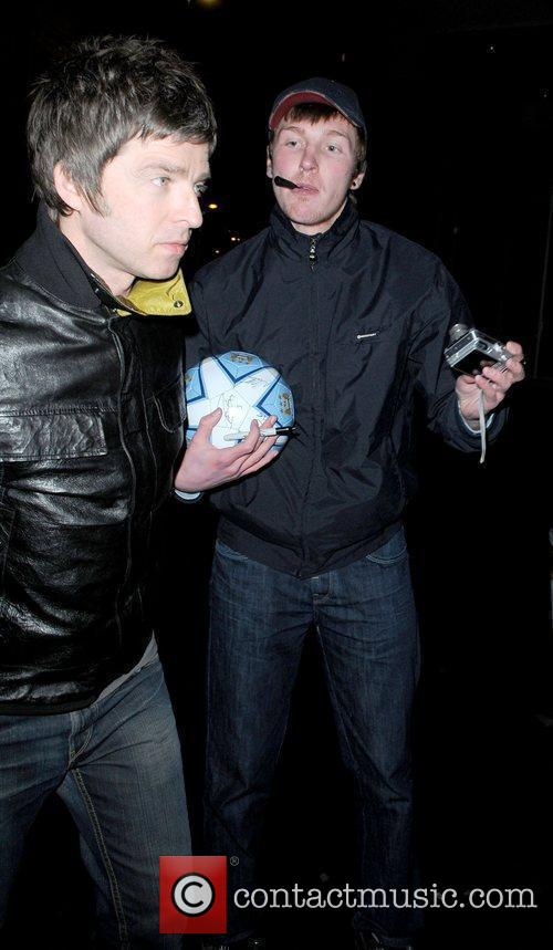 Noel Gallagher and Manchester United 6