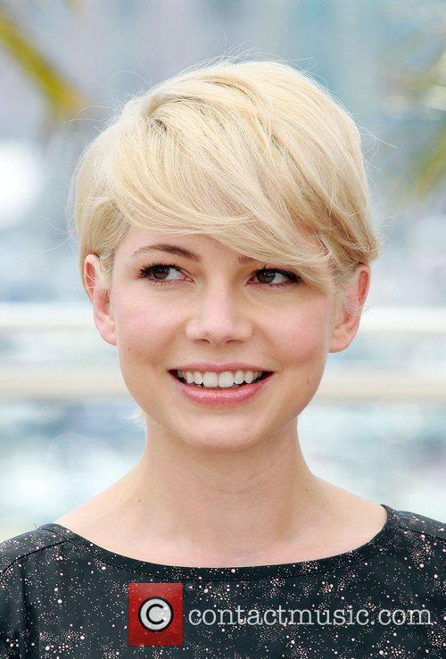 Michelle Williams showing off short blonde hair