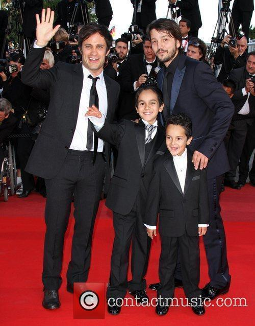 Jose Maria Yazpik and Diego Luna 3