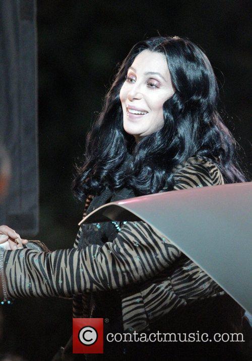 Cher 16