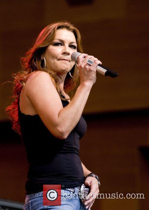 Gretchen Wilson and Chicago 10