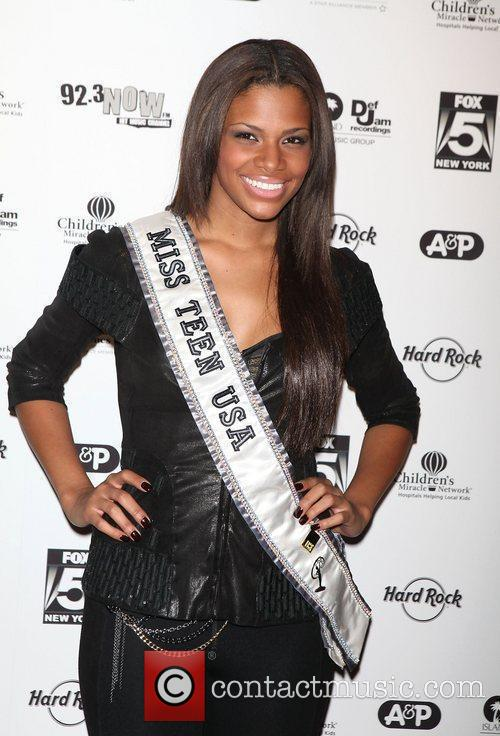 Miss Teen USA, Def Jam, Times Square