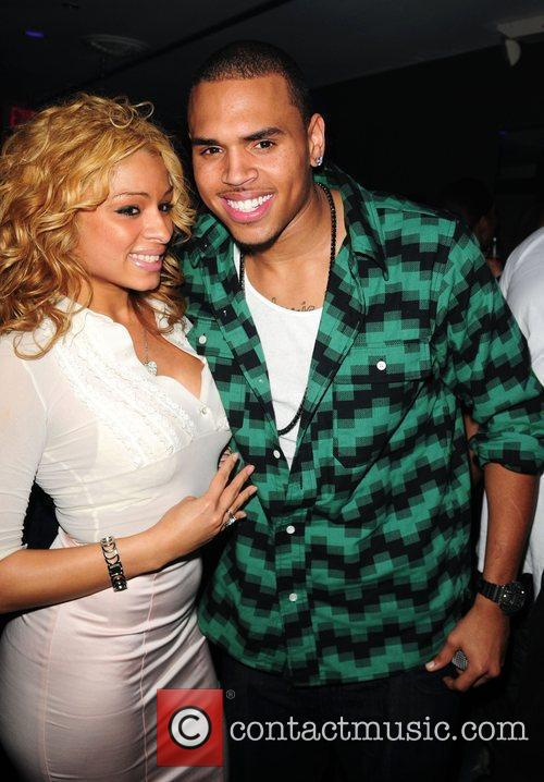 Simplyjess and Chris Brown 5