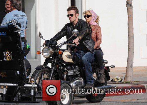 Christina Aguilera and Cam Gigandet 5