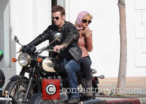 Christina Aguilera and Cam Gigandet 2