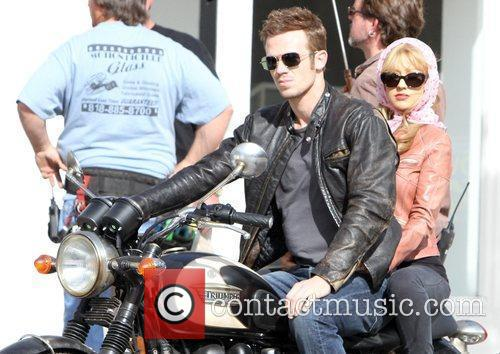 Christina Aguilera and Cam Gigandet 25