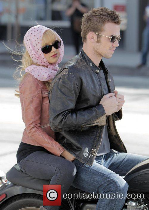 Christina Aguilera and Cam Gigandet 26