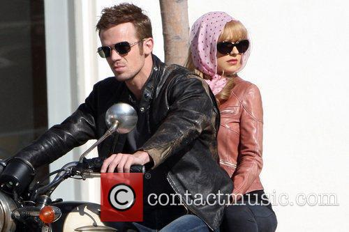 Christina Aguilera and Cam Gigandet 1