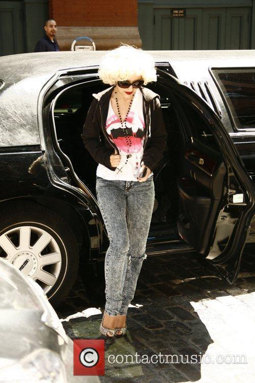 Christina Aguilera, Oprah Winfrey and The Oprah Winfrey Show 6