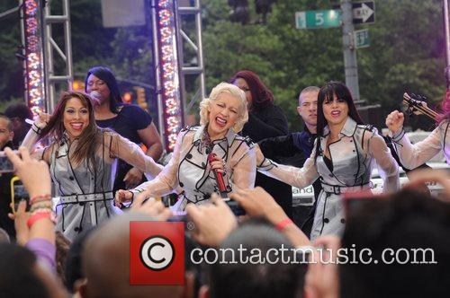 Christina Aguilera and CBS 32