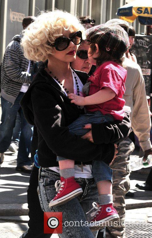 Christina Aguilera, her son Max Bratman and family 10