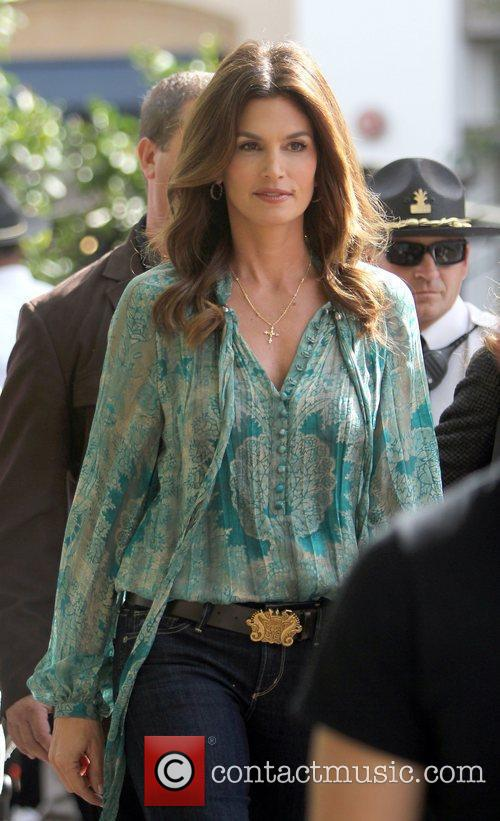 Cindy Crawford makes an appearance on the entertainment...