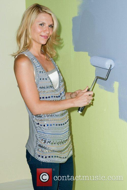 Launches the new 'Valspar Hi-Def Paint', inside the...