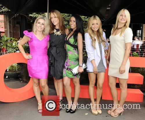 (l-r) Gemma Crisp, Lizzie Lovett, Ashleigh Francis, DJ...