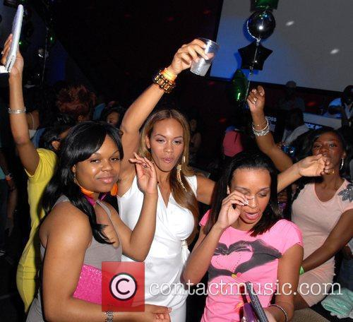 VH1 'Basketball Wives' Evelyn Lozada parties at Club...