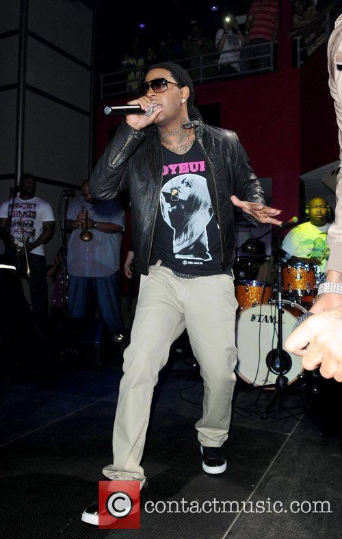 Rude Boi of Git Fresh performing at Club...