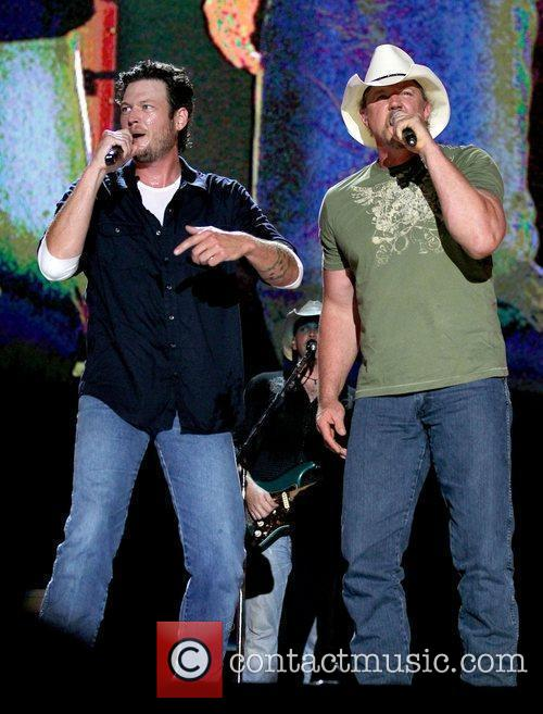 Blake Shelton and Trace Atkins 6