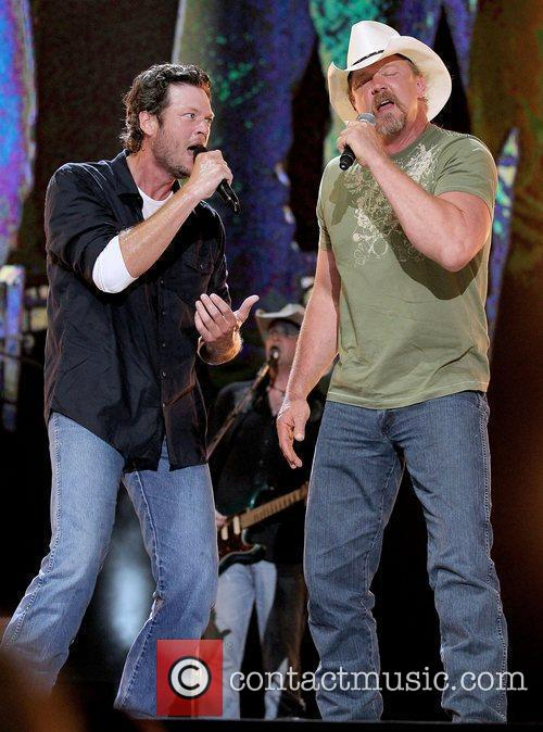 Blake Shelton and Trace Atkins 11
