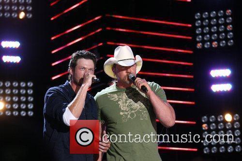 Blake Shelton and Trace Adkins 2010 CMA Music...
