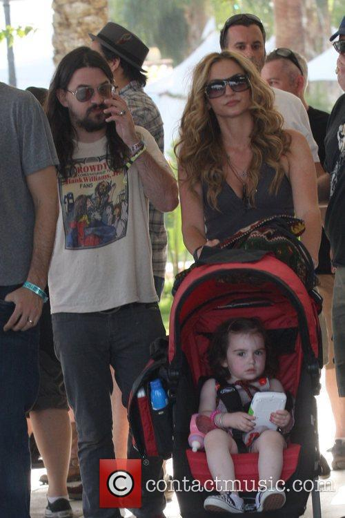 Shooter Jennings and Drea De Matteo 1