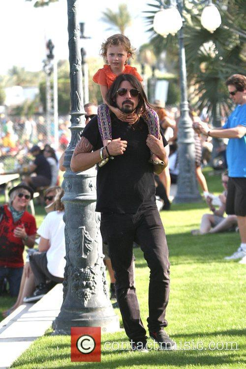Dave Grohl, With Daughter Violet Maye Grohl and On His Shoulders 3