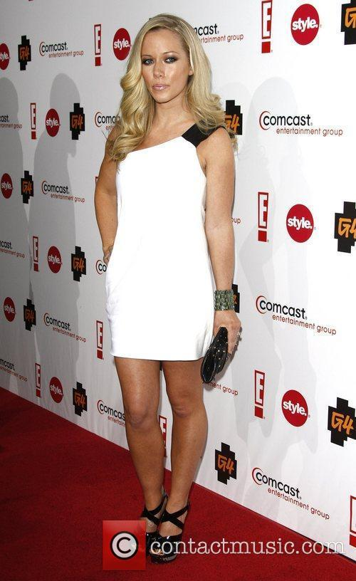 Kendra Wilkinson and Comcast 3