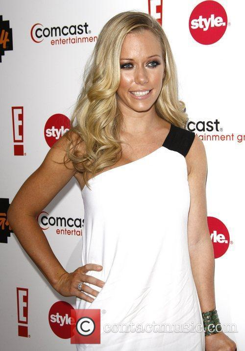 Kendra Wilkinson and Comcast 5
