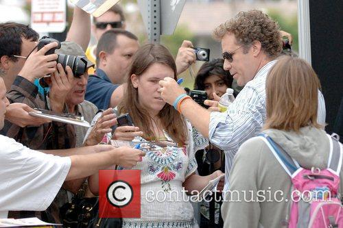 Will Ferrell signing autographs for fans Comic Con...