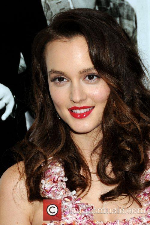Leighton Meester and Mann 6