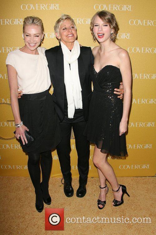 Portia De Rossi, Ellen Degeneres and Taylor Swift 3