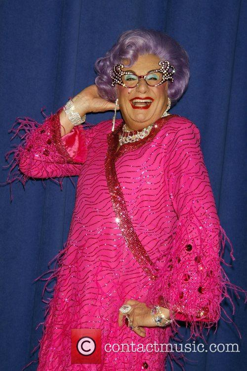 Dame Edna Everage 8