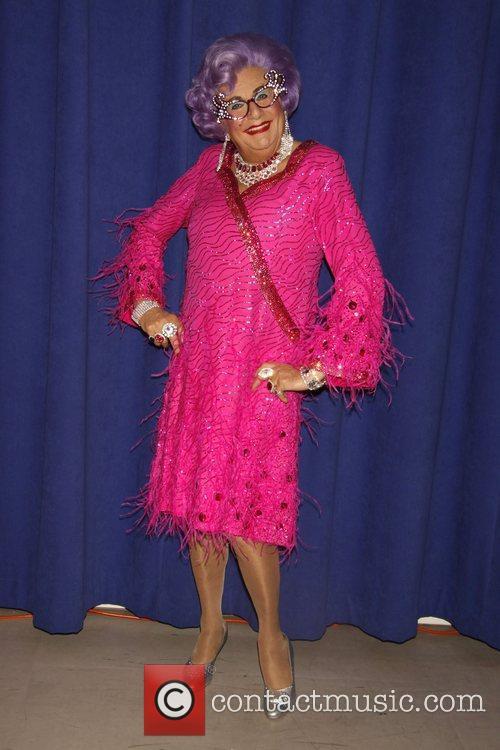 Dame Edna Everage 5