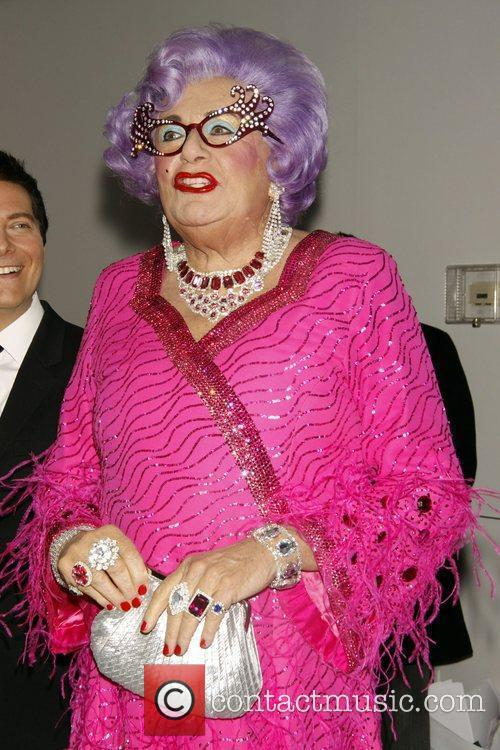 Dame Edna Everage 4