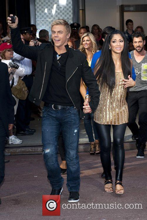 Derek Hough and Nicole Scherzinger 4