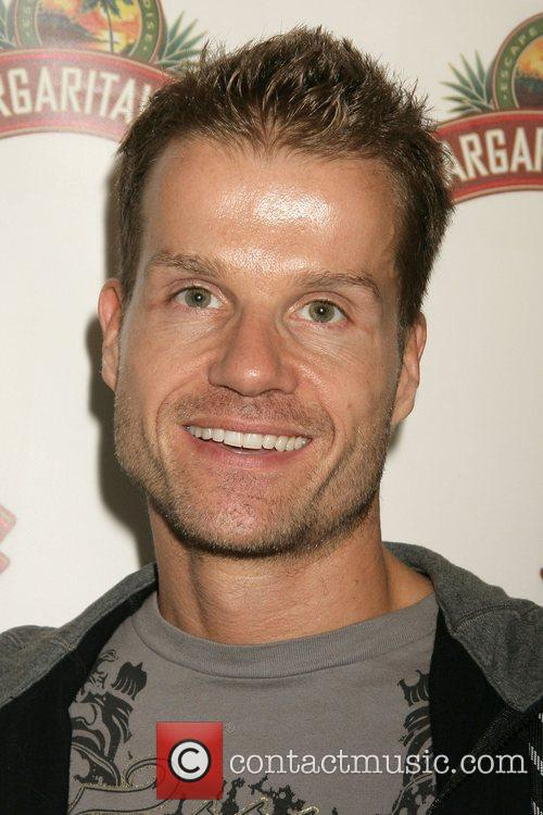 Louis Van Amstel, Cbs and Dancing With The Stars 8