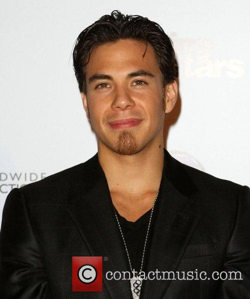 Apolo Ohno Dancing With The Stars 200th episode...